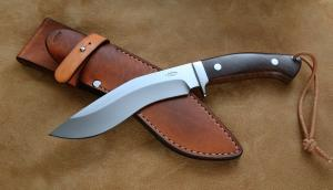 No.442 - Kukri N695/caucasian walnut